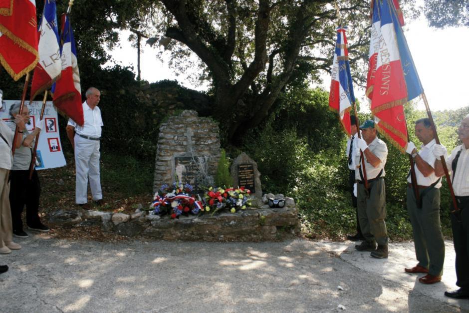 Commémoration du massacre de Barbarenque au Beaucet par Roger Martin