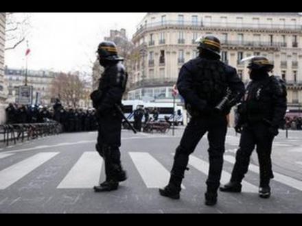 Etat d'urgence : « Nos groupes parlementaires ne voteront pas la prolongation » (Pierre Laurent)